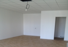 A vendre, RELECQ-KERHUON Bourg, Local commercial de 50m², normes PMR