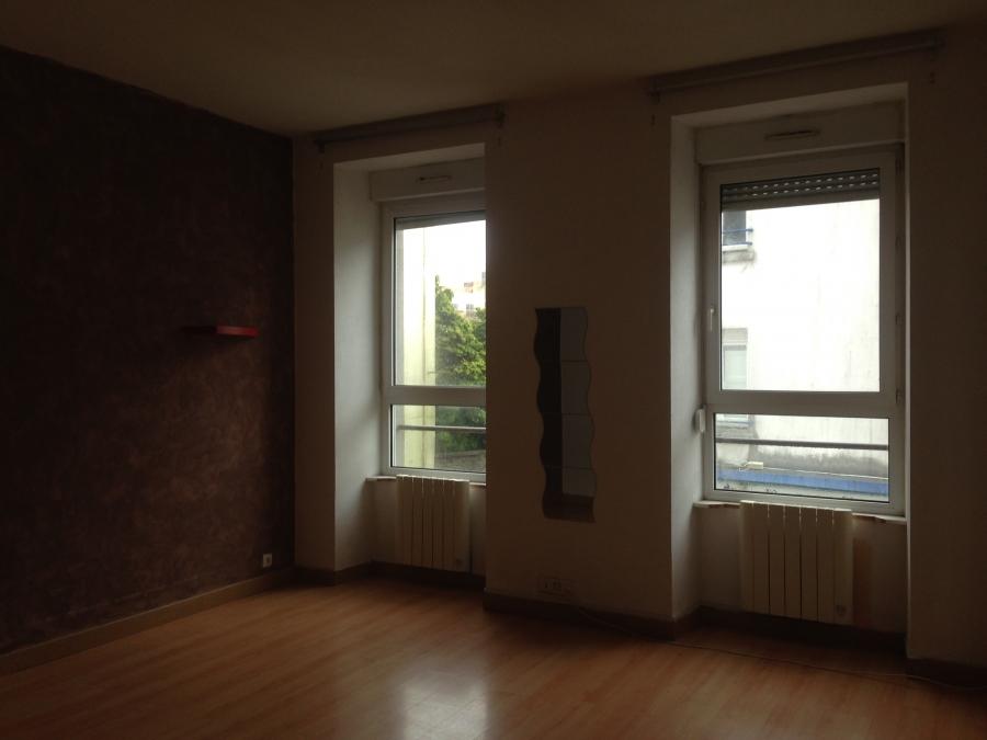 a vendre brest pilier rouge beau t3 de 63m avec belle hauteur sous plafond avec l 39 agence. Black Bedroom Furniture Sets. Home Design Ideas